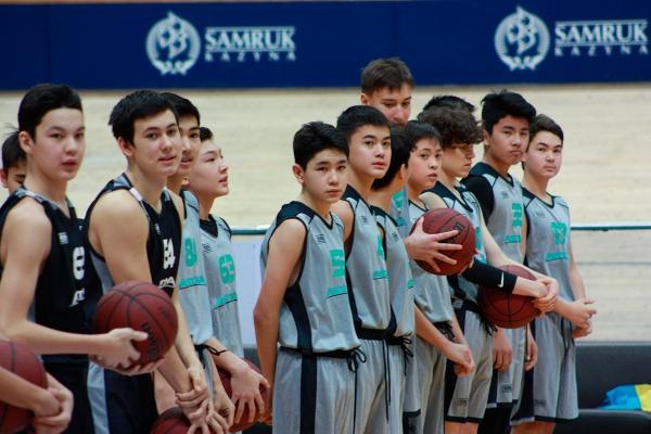 Training of «Astana» children's academy of basketball at the «Saryarka» Cycle track